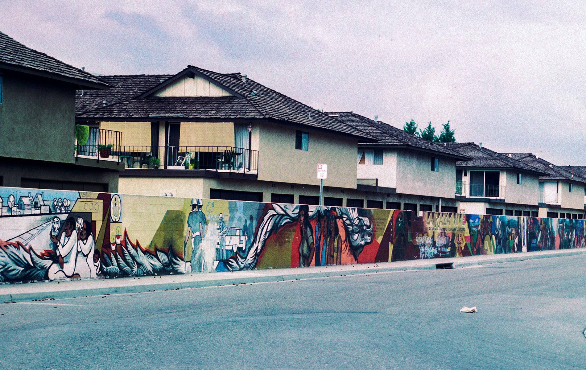 <h1>Sergio O'Cadiz Moctezuma, <em>Fountain Valley Mural</em>, 1974–1976</h1>