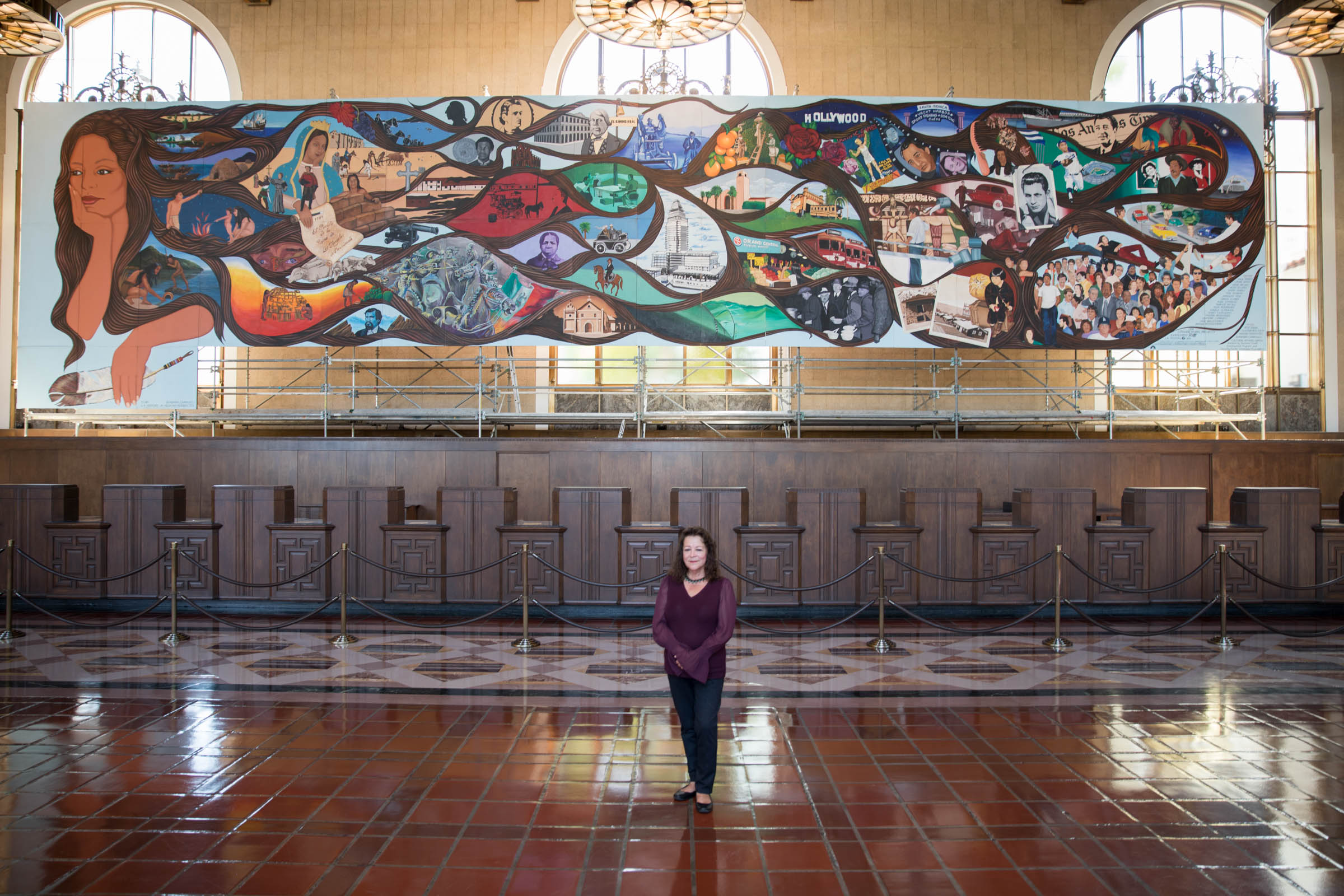 Murales rebeldes l a chicana o murals under seige for Cleveland gas station mural